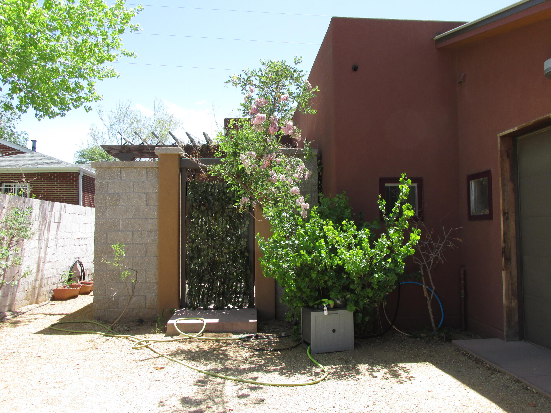 1607 Coal Avenue Se #b Property Photo 1