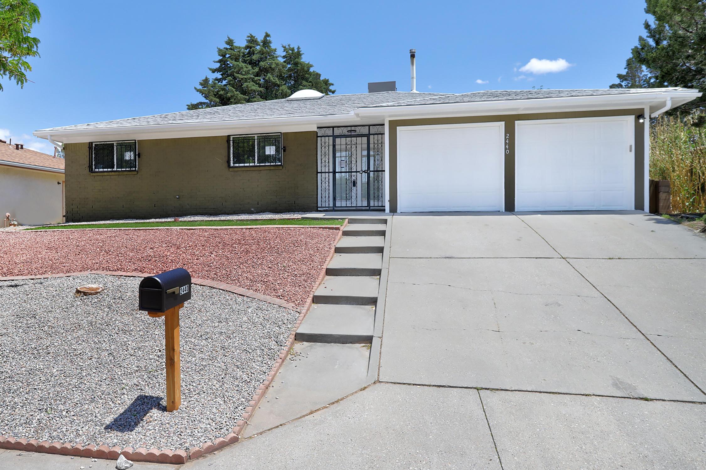 2440 Figueroa Drive Ne Property Photo