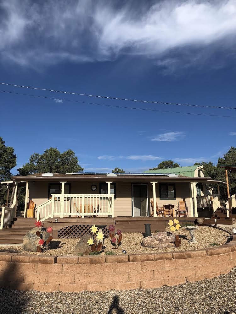 7 Log Cabin Drive Property Photo