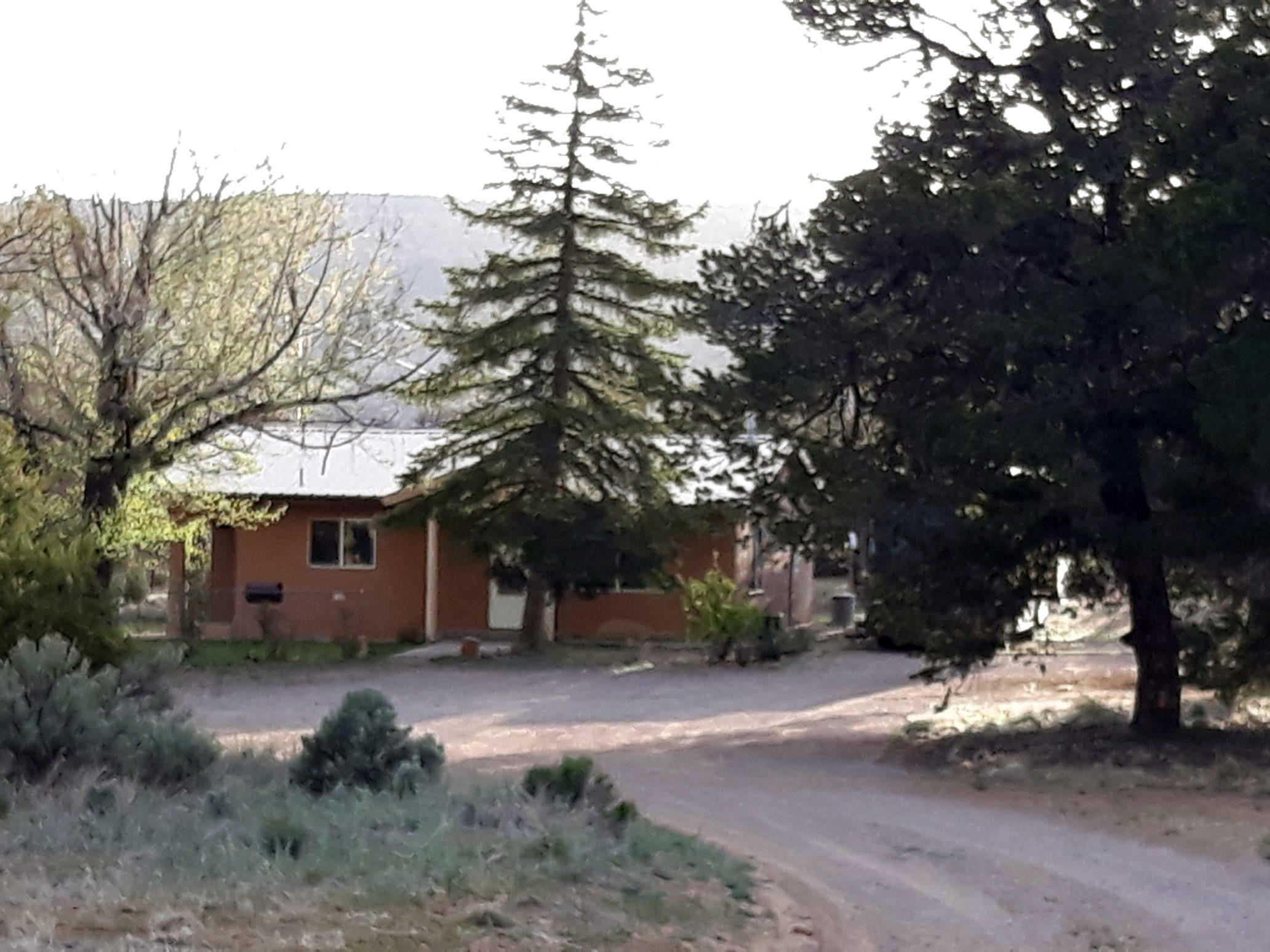 21 La Loma Road Property Photo