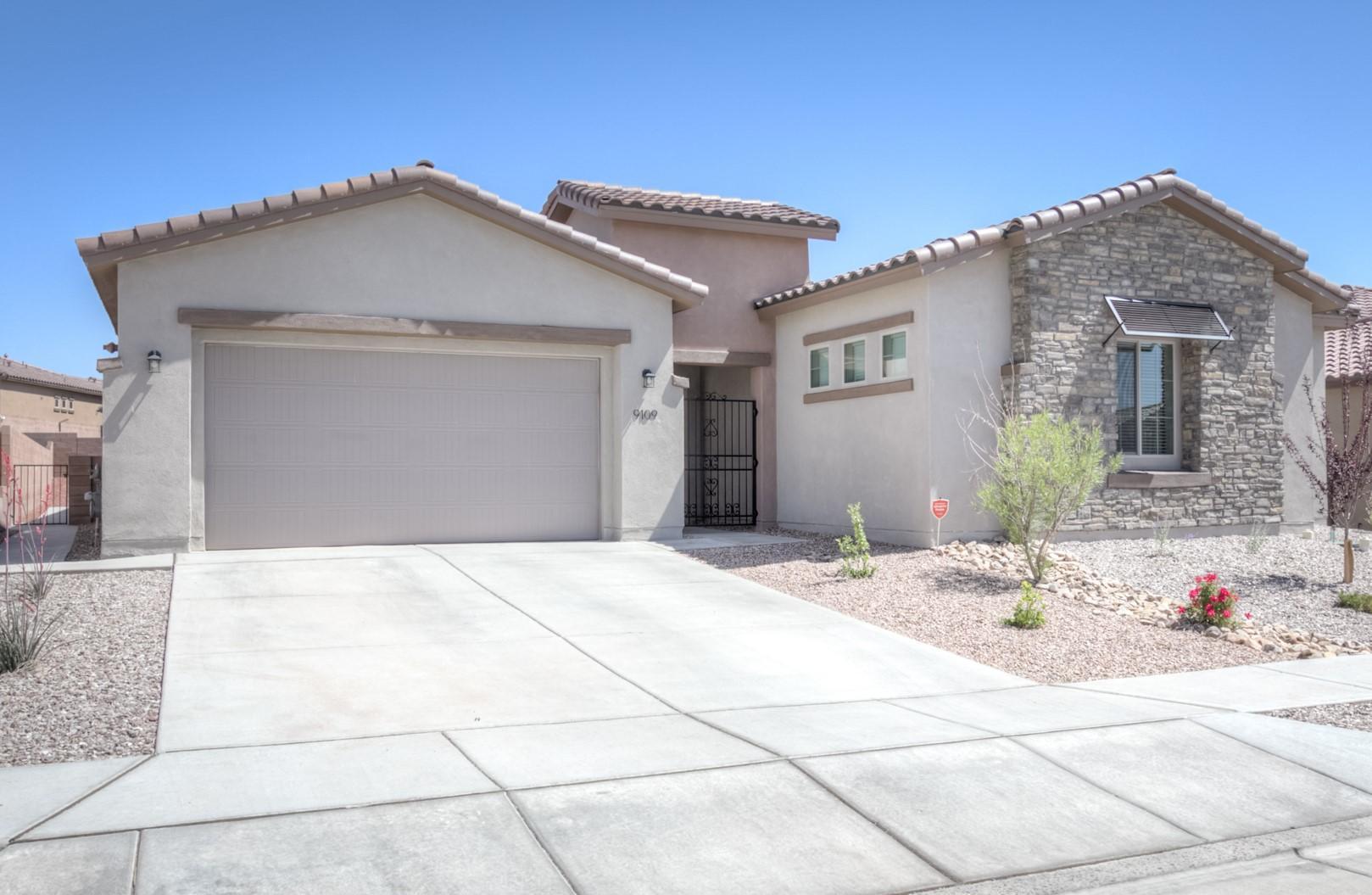 9109 Vista Bosquejo Road Nw Property Photo 1