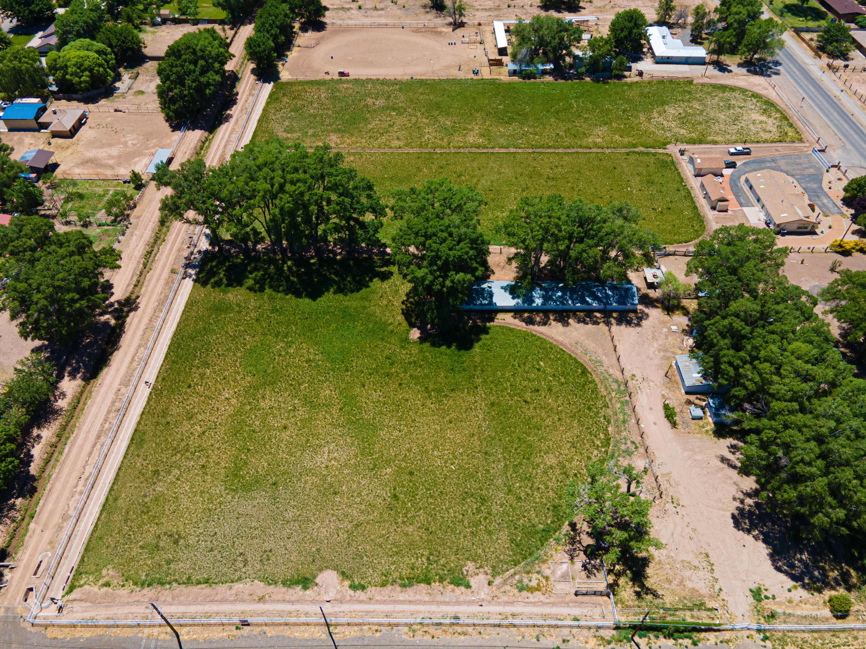 1075 N Bosque Loop Property Photo