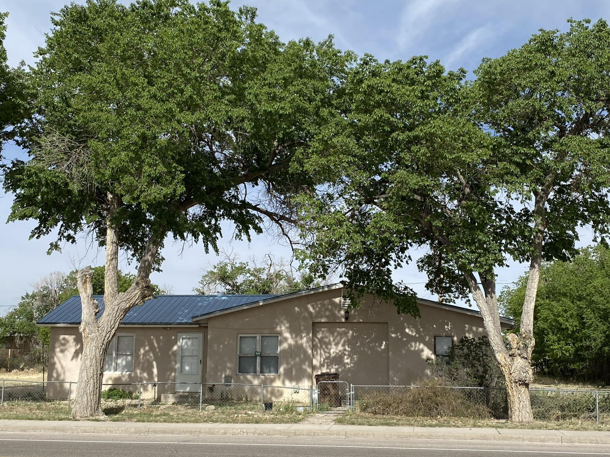 609 5th Street Property Photo