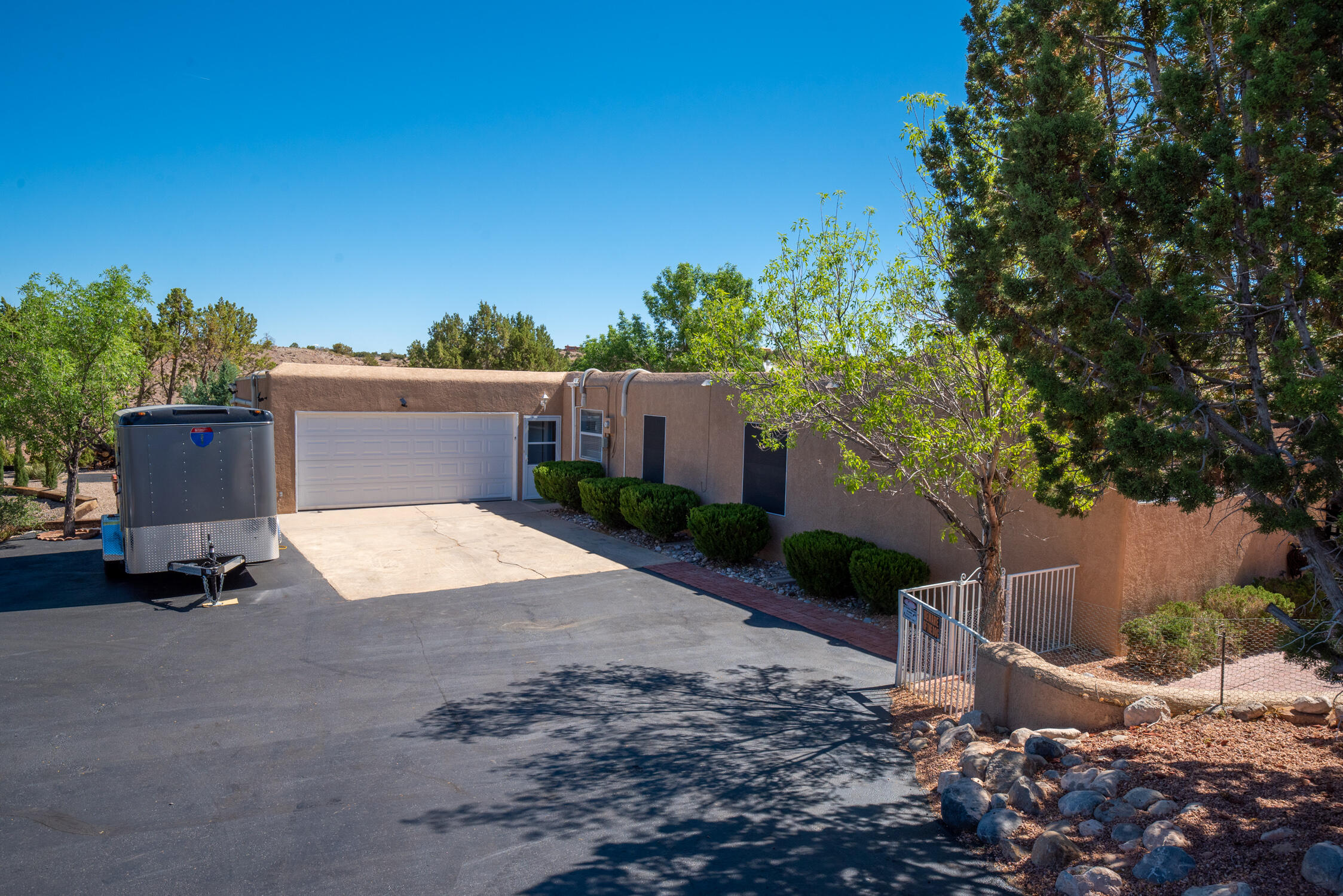 7 CHAPARRAL Road Property Photo 1