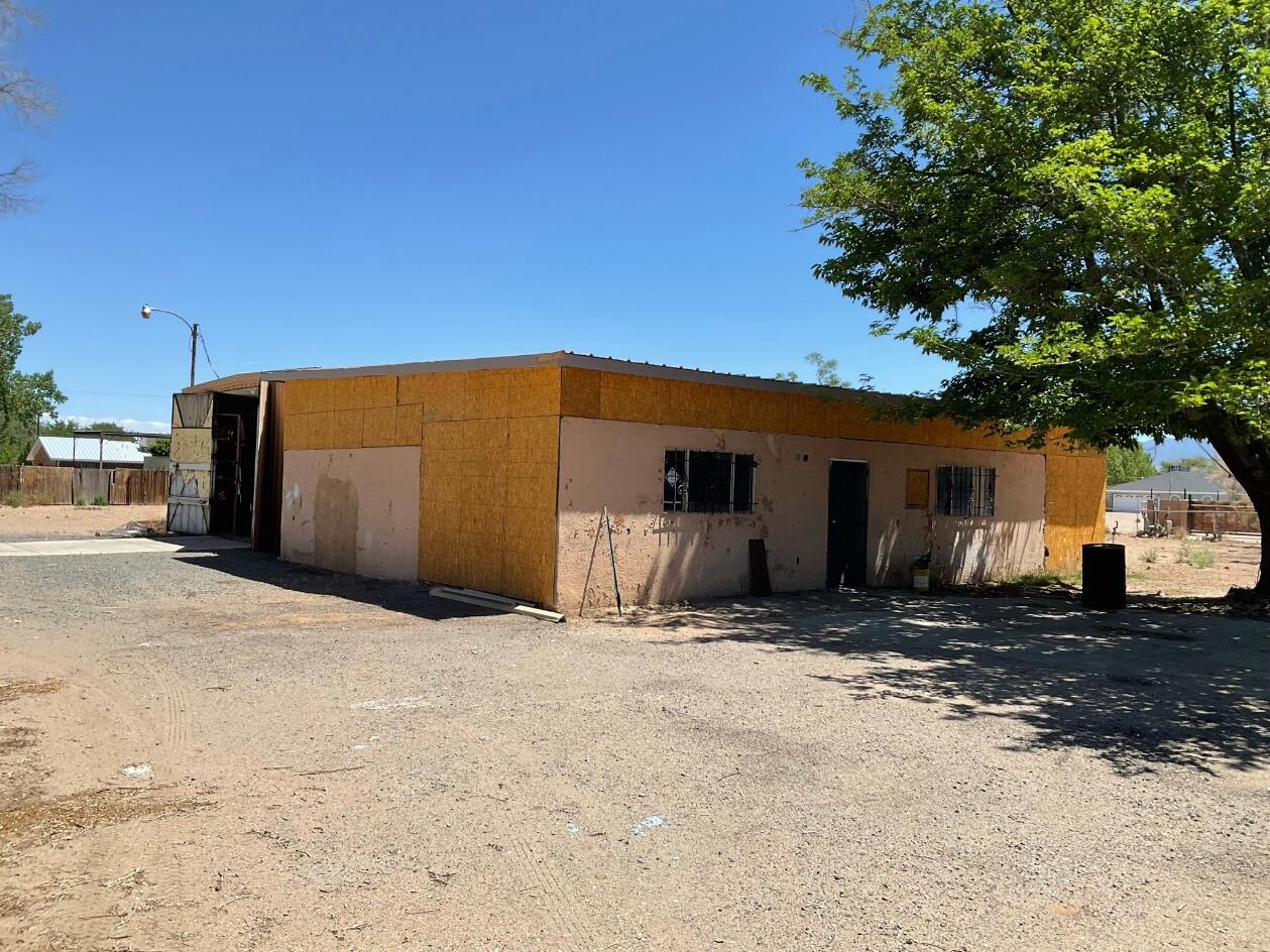 1749 VAL VERDE Drive SW Property Photo 1