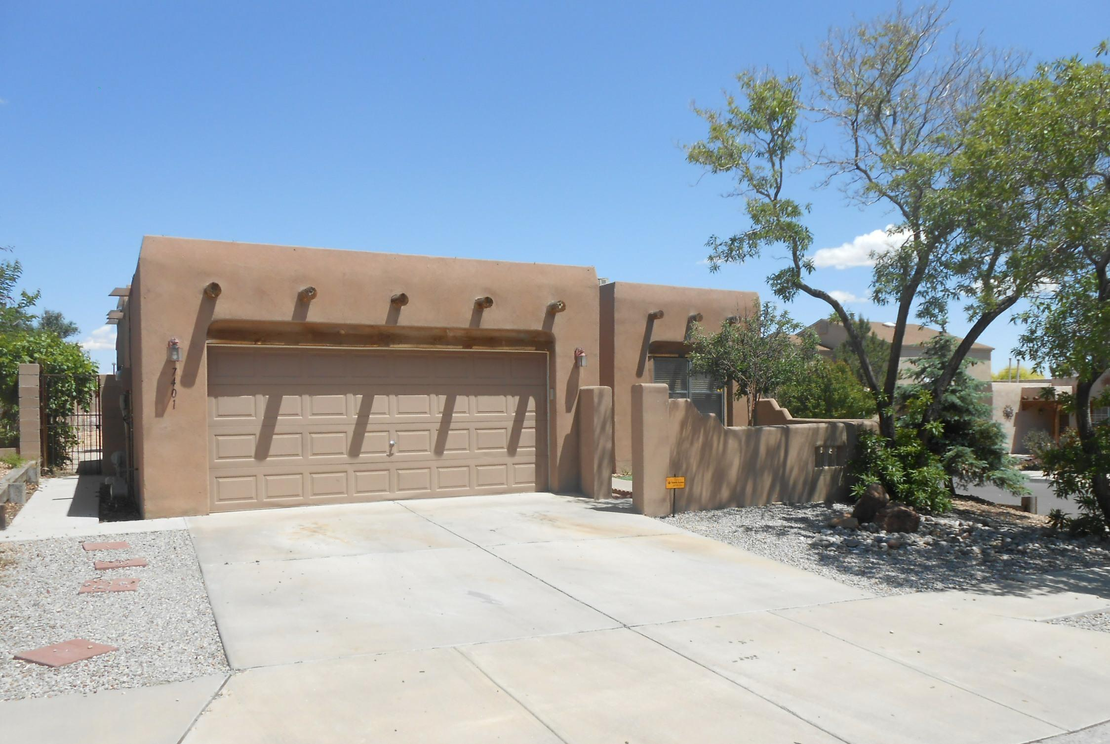 7401 Cerros Place Nw Property Photo