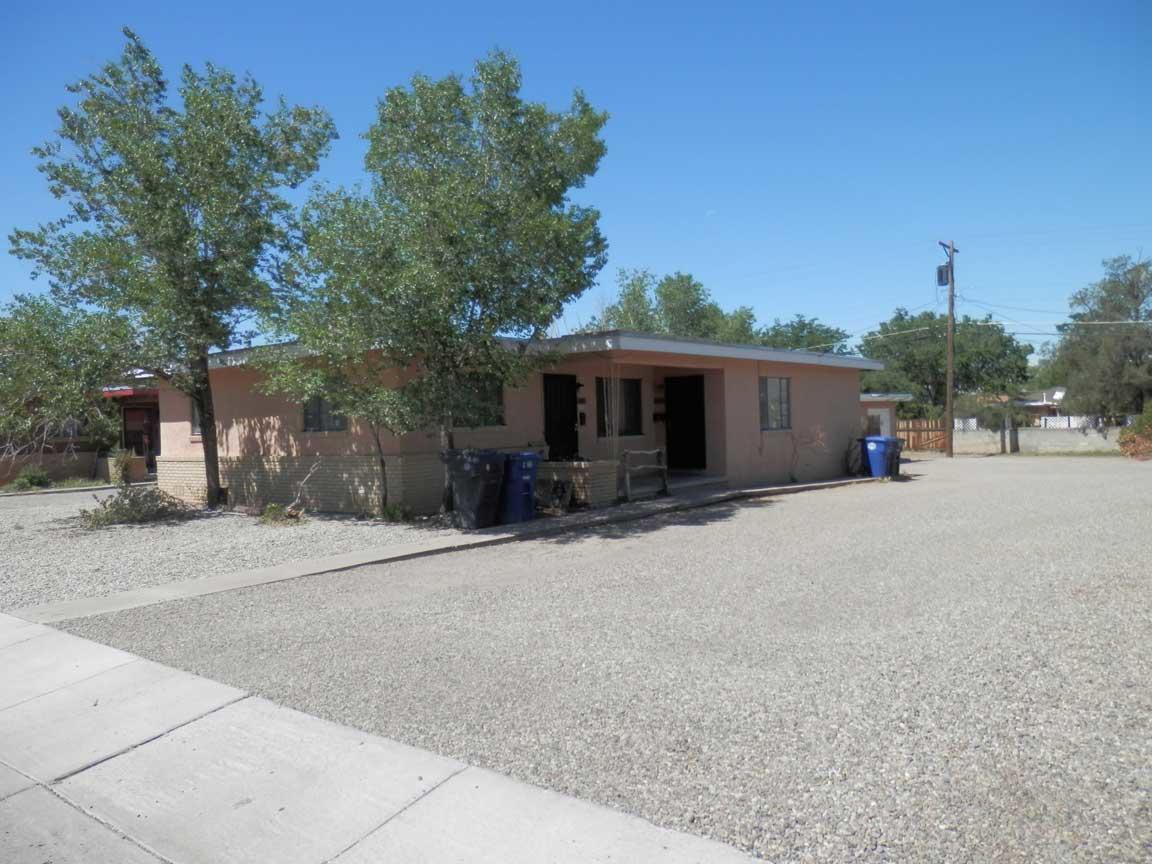 1821 Alvarado Drive Ne Property Photo