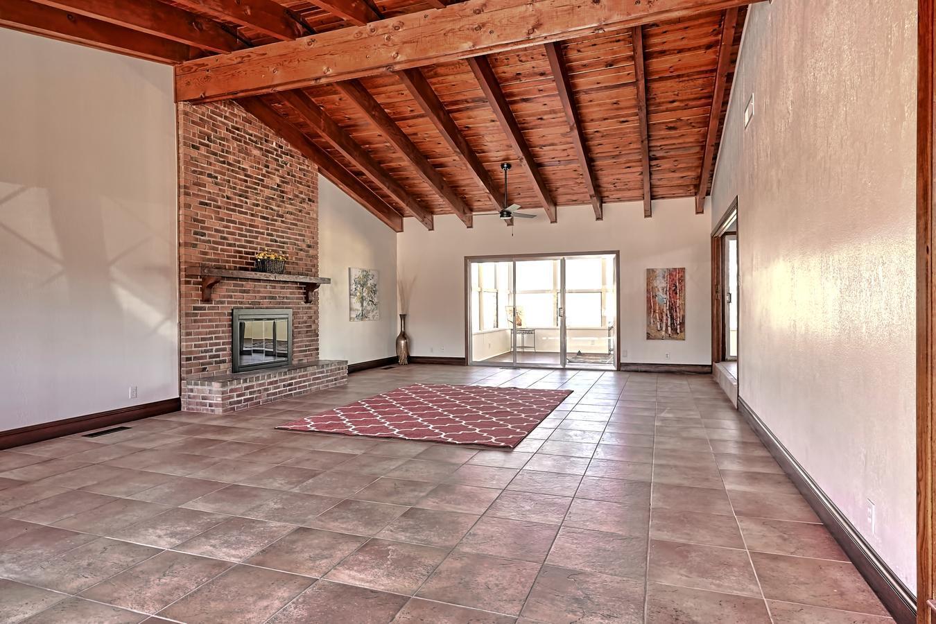 1819 Washington Street Ne Property Photo 6