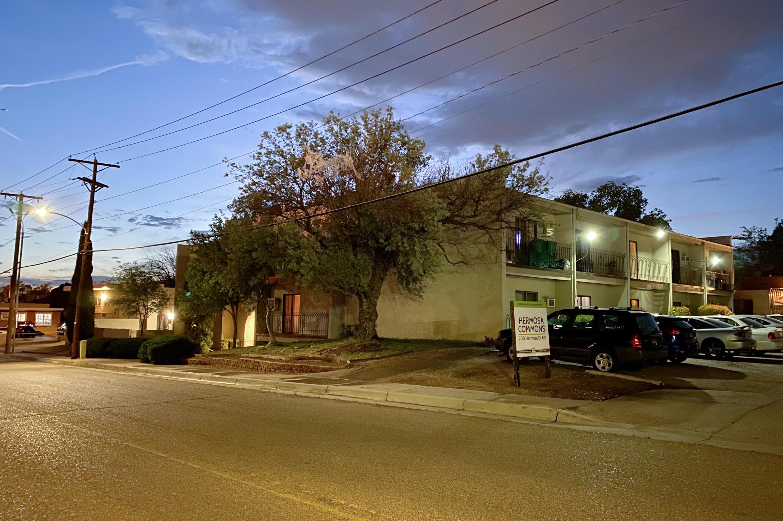 200 Hermosa Drive Ne Property Photo