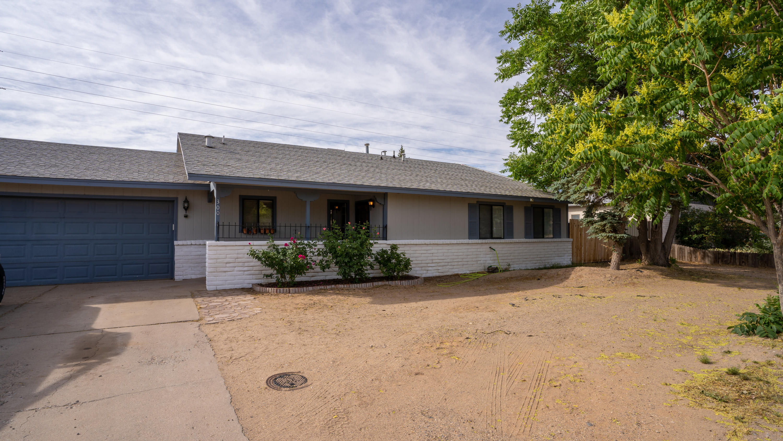 300 Spring Drive Se Property Photo