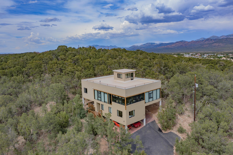 6 Skyline Drive Property Photo