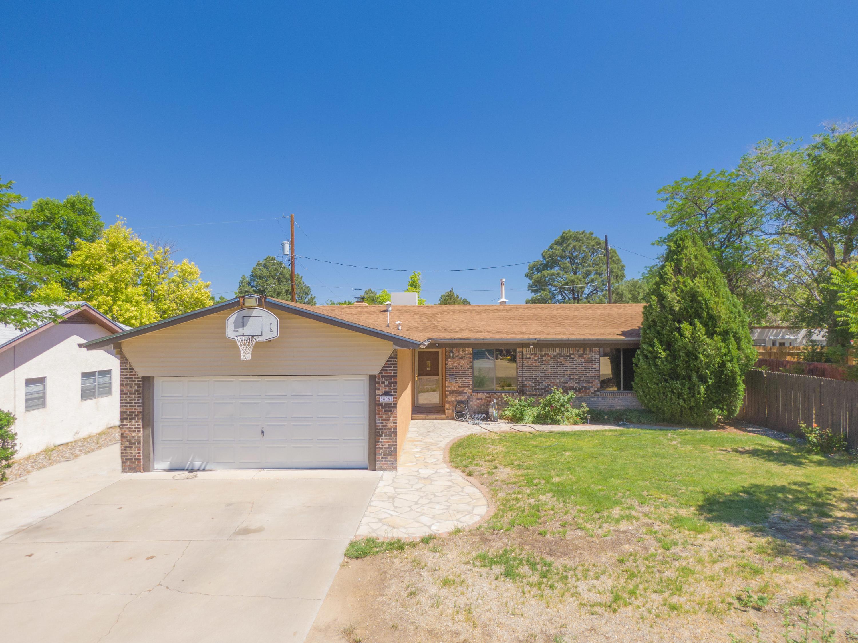 8805 La Barranca Avenue Ne Property Photo