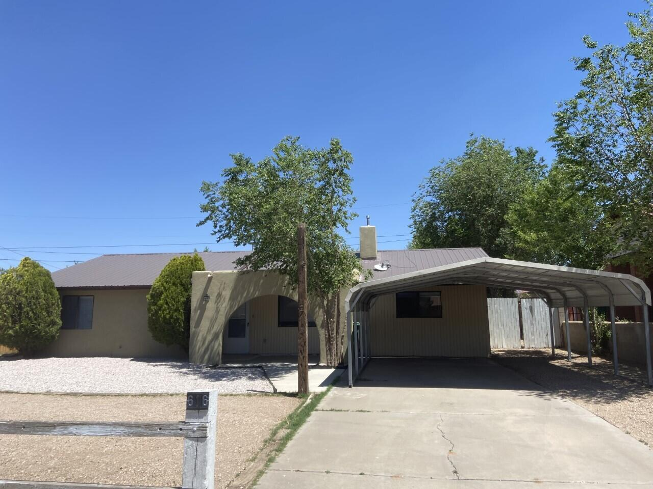 616 Gunnison Avenue Property Photo