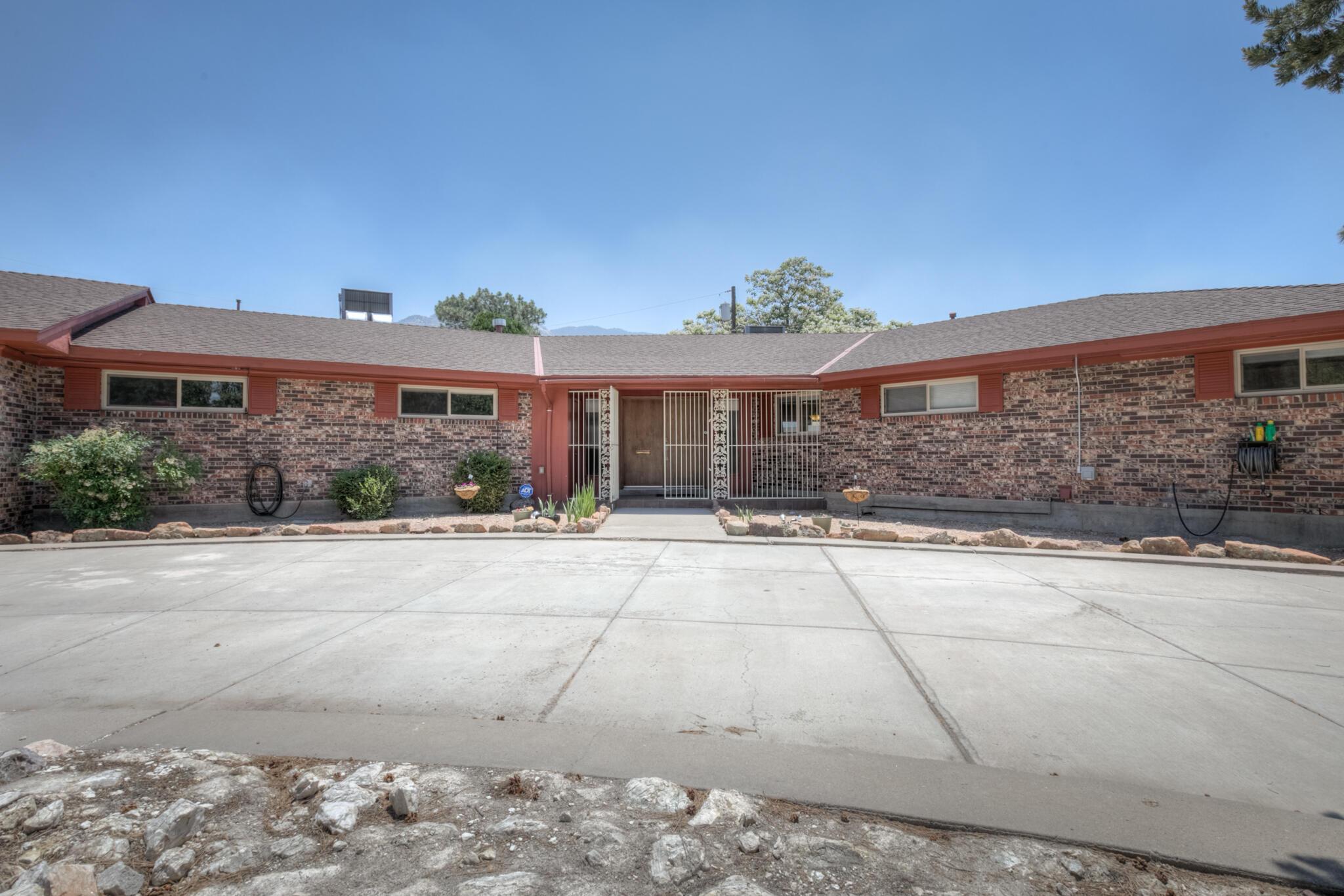 12912 Blackstone Road Ne Property Photo