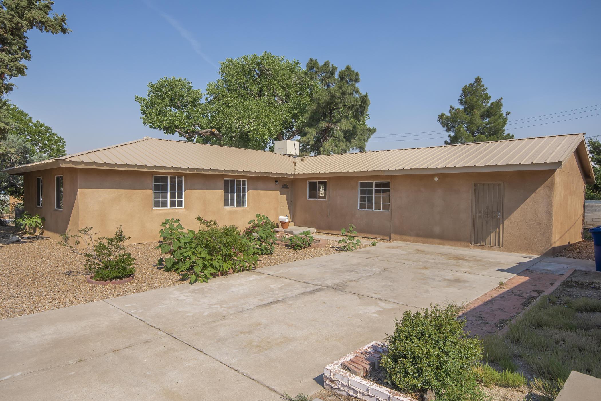 6627 Mossman Place NE Property Photo 1
