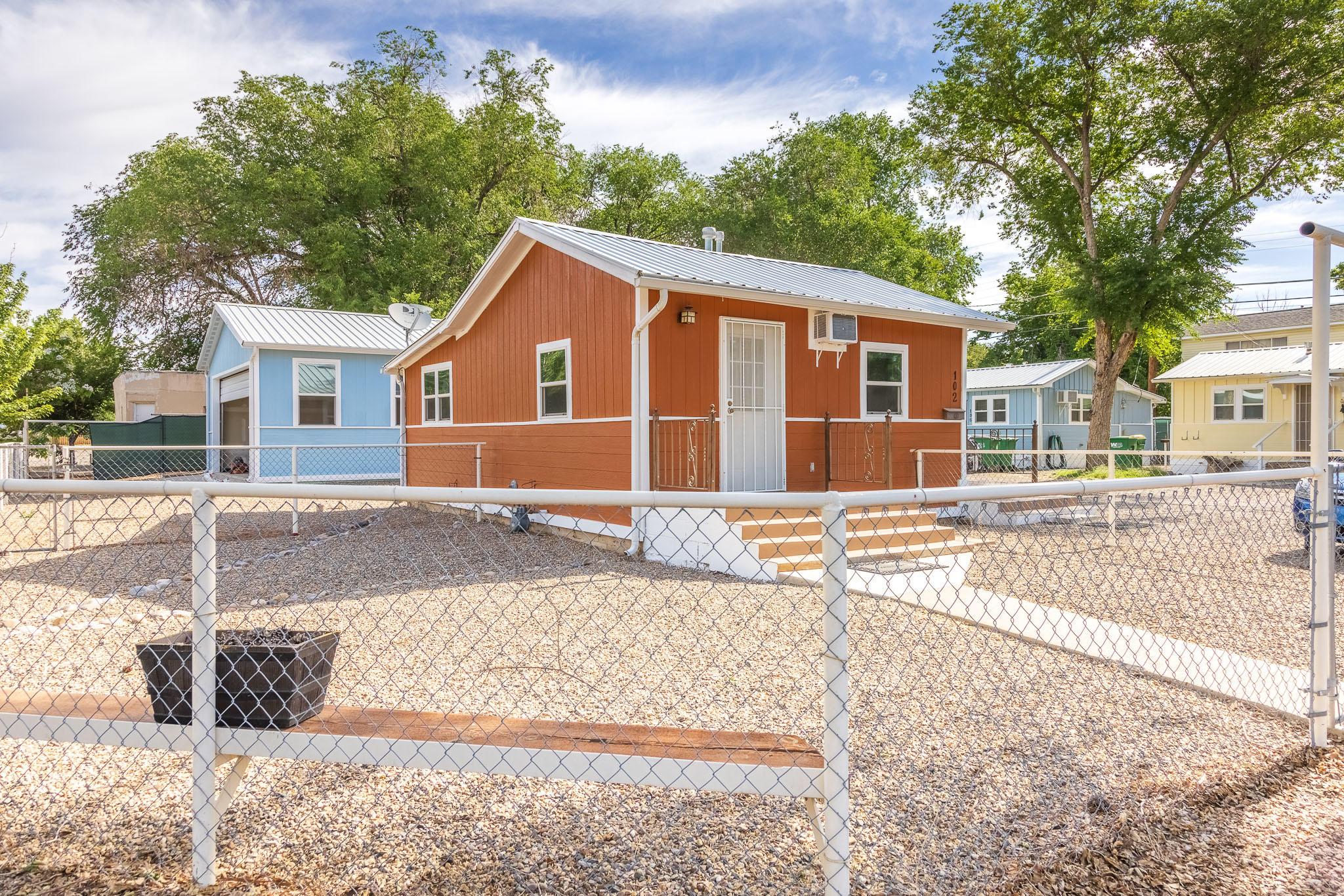 102 E Hopi Street Property Photo