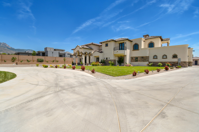 10408 Glendale Avenue Ne Property Photo 1