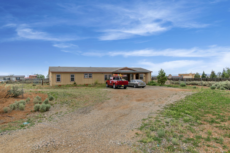 7 Sierra Drive Property Photo