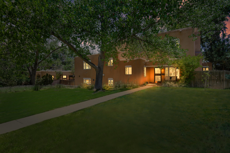 409 Vassar Drive Ne Property Photo 1