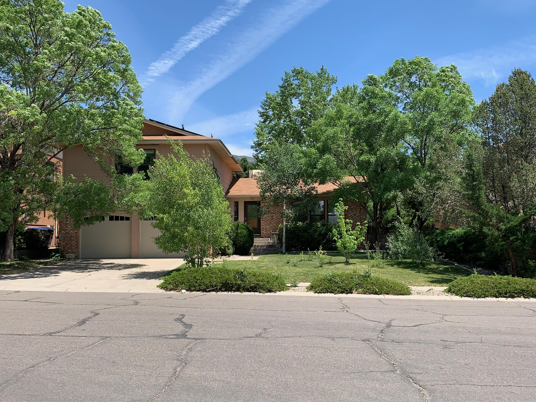 5516 Chelwood Park Boulevard Ne Property Photo