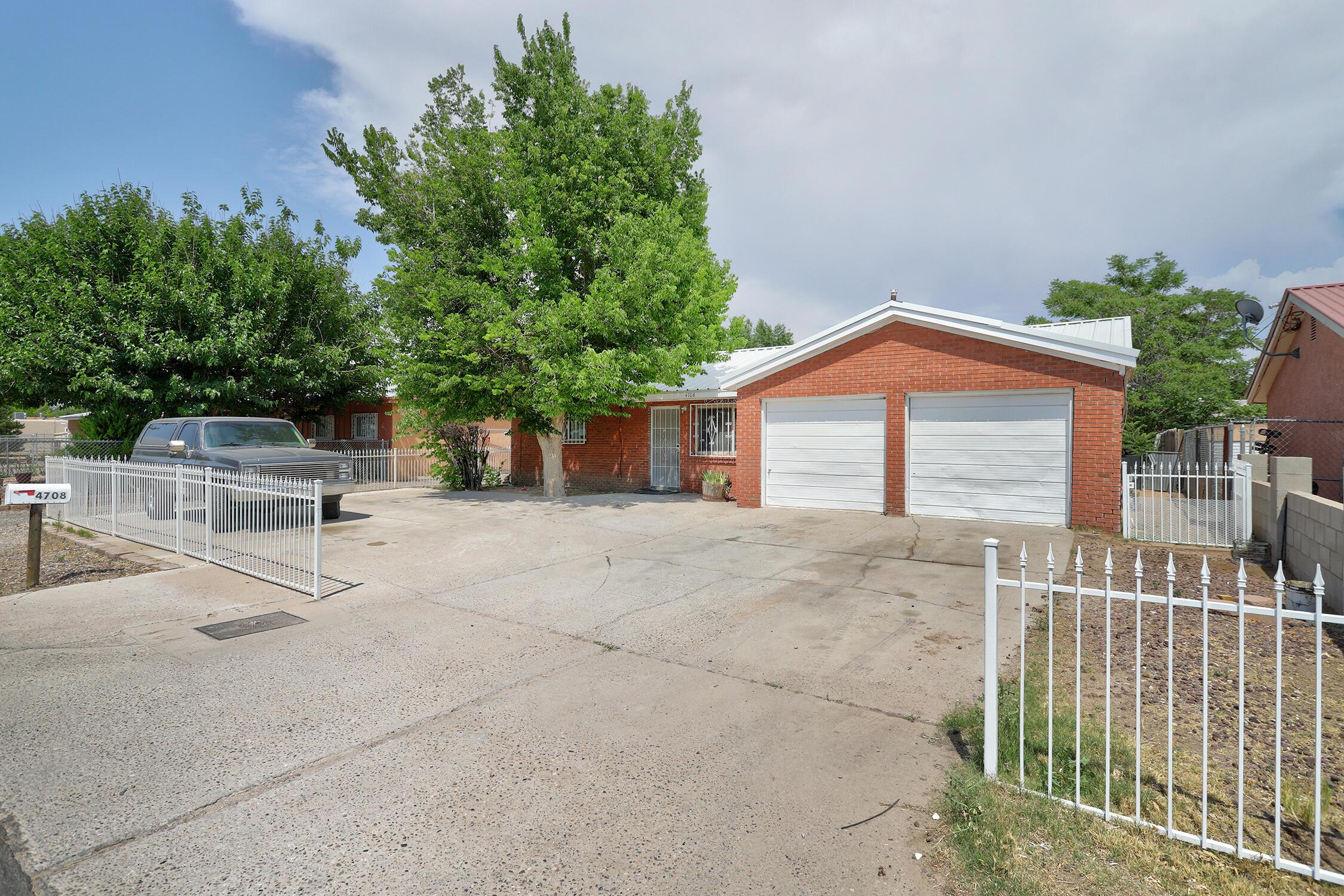 4708 W Glen Drive Sw Property Photo