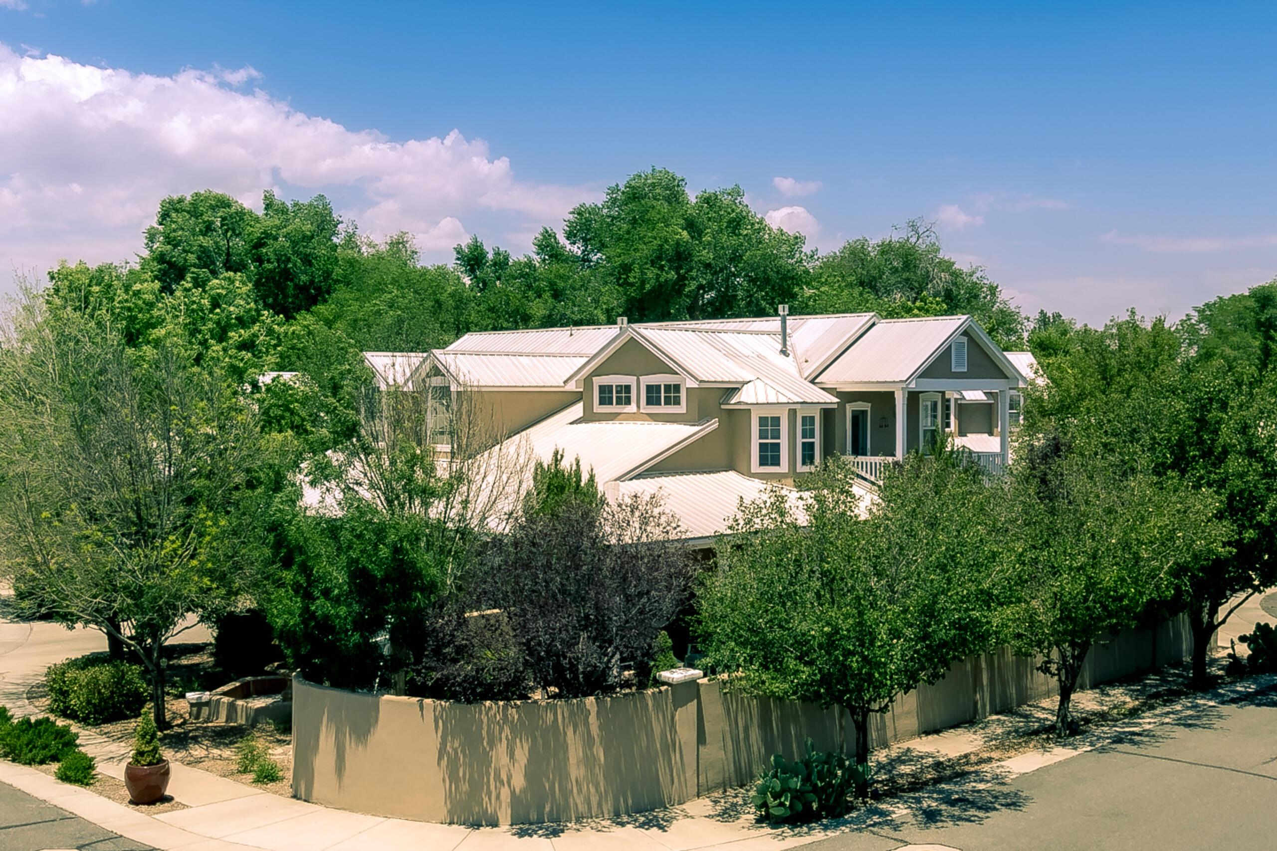 1539 Phoenix Avenue Nw Property Photo