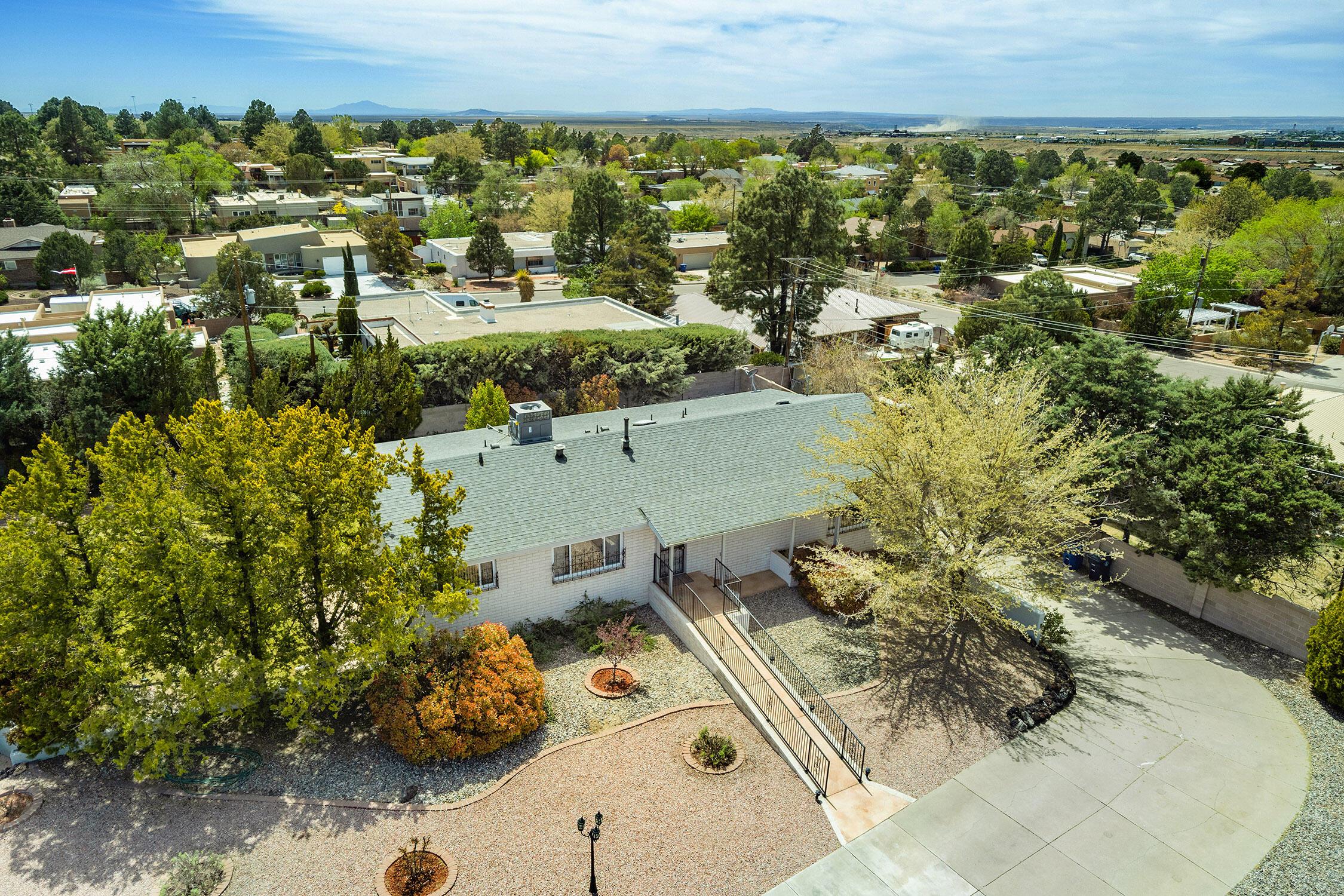 907 Poco Cerro Court Se Property Photo 2