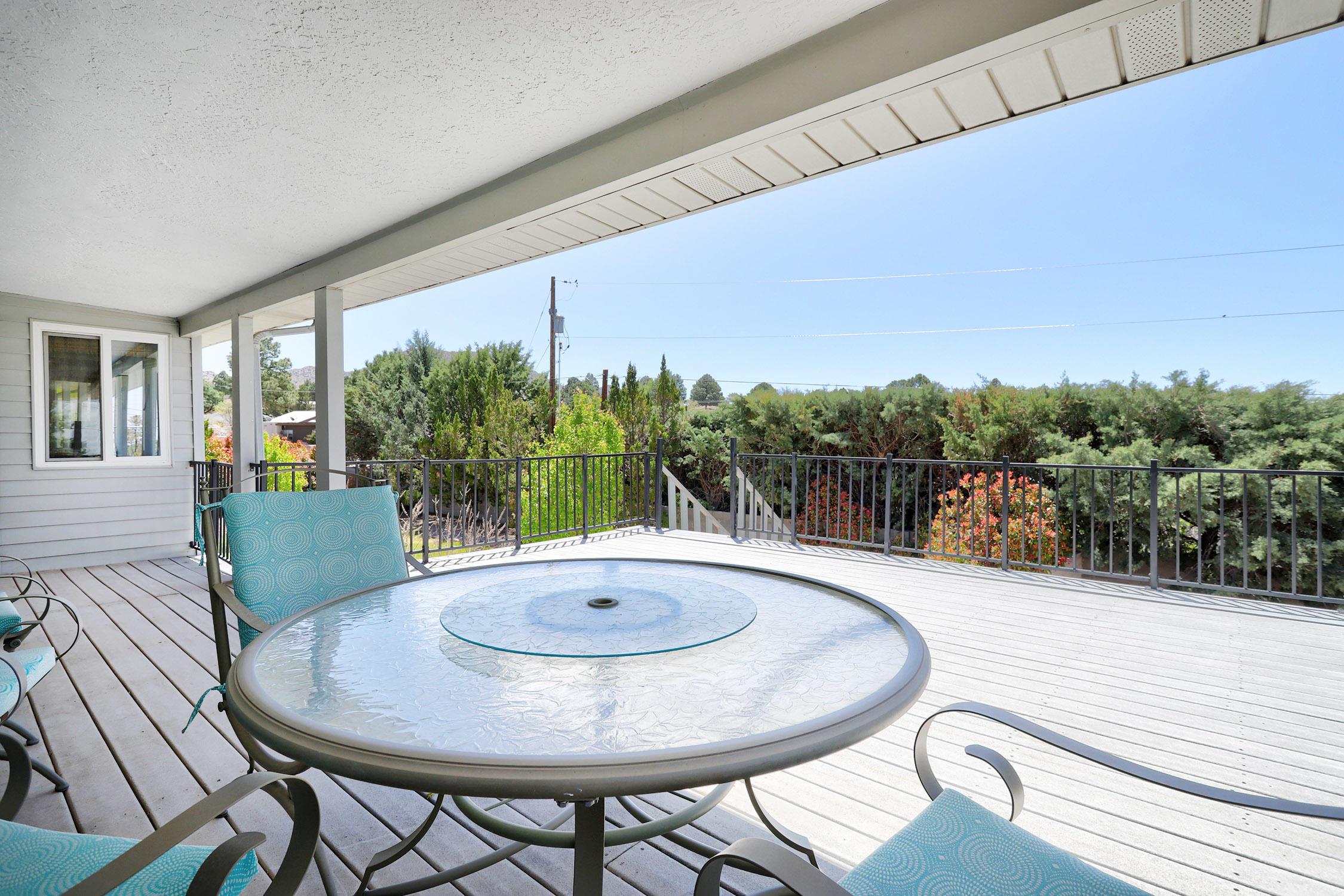 907 Poco Cerro Court Se Property Photo 4