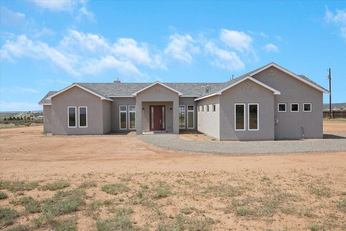 4 Isham Property Photo 1