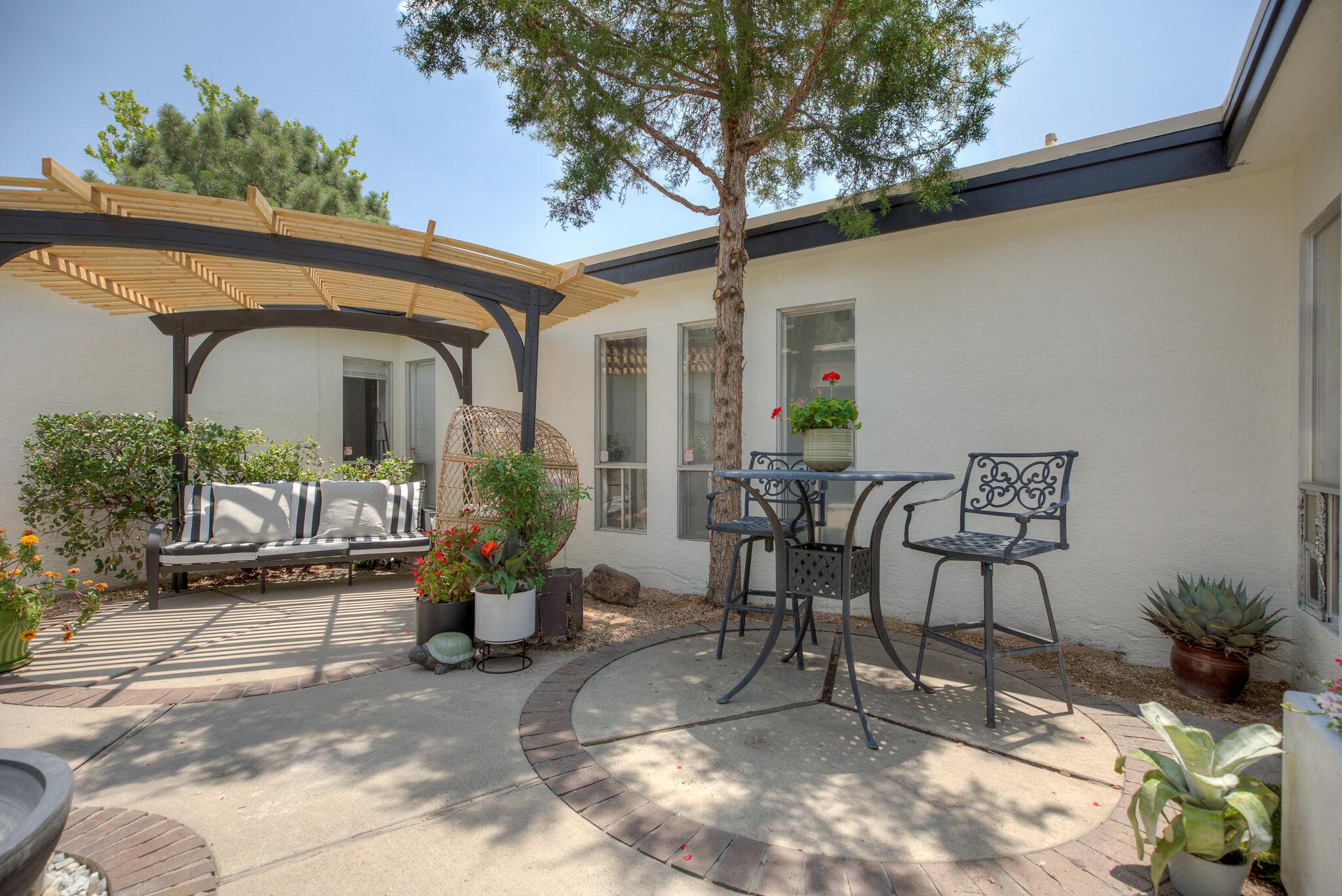 2921 LA CAMILA Road NE Property Photo 1