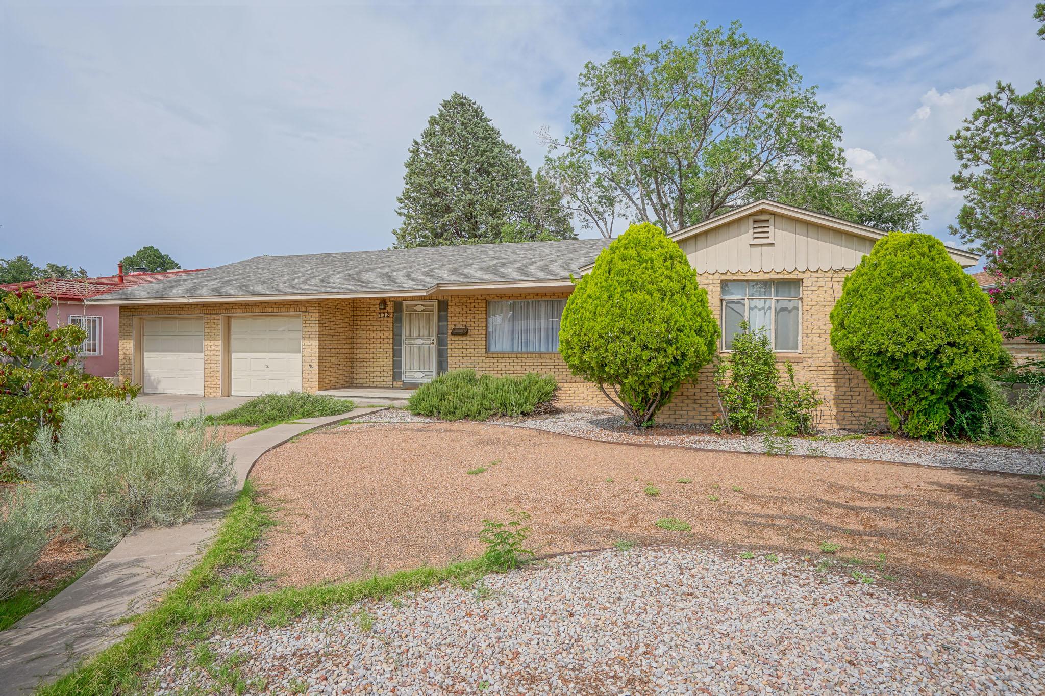 732 MORNINGSIDE Drive NE Property Photo 1