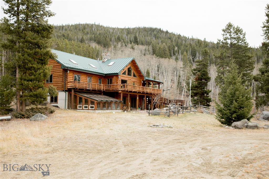 1818 Moose Creek Property Photo