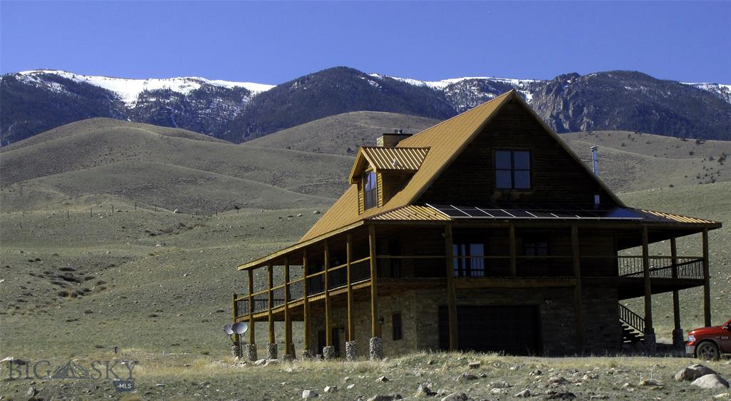 52 Crazy Horse Lane Property Photo - Belfry, MT real estate listing