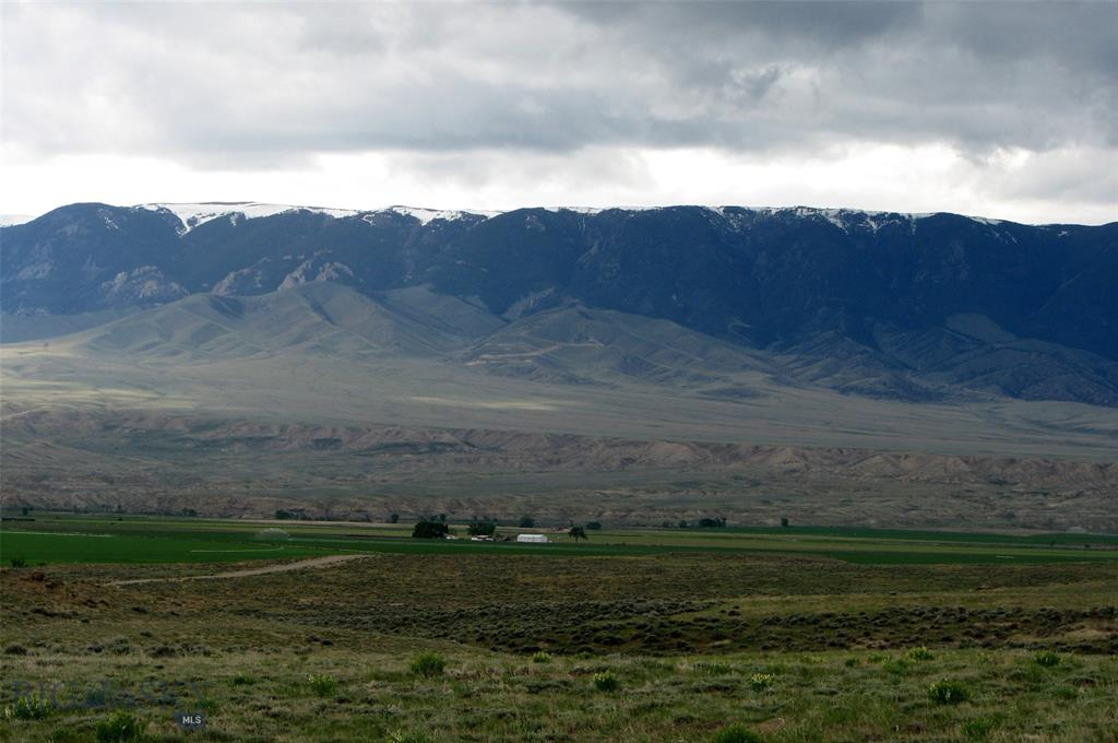 145 Overland Trail Property Photo - Clark, WY real estate listing