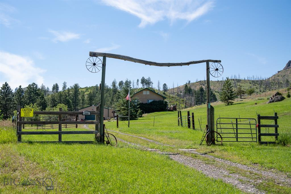 368 West Bridger Creek Road, Reed Point, MT 59069 - Reed Point, MT real estate listing