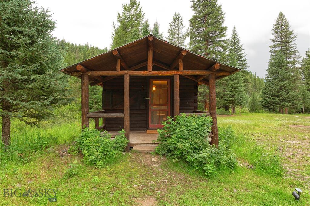 7698 Storm Castle Road, Gallatin Gateway, MT 59730 - Gallatin Gateway, MT real estate listing
