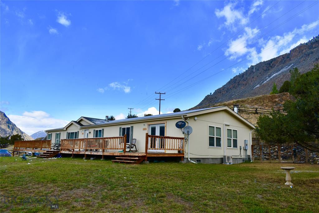 2 Papesh Road, Gardiner, MT 59030 - Gardiner, MT real estate listing