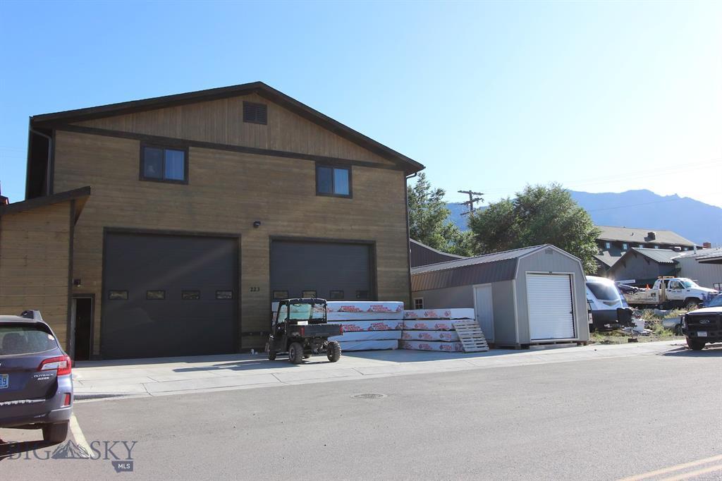 108 3rd, Gardiner, MT 59030 - Gardiner, MT real estate listing