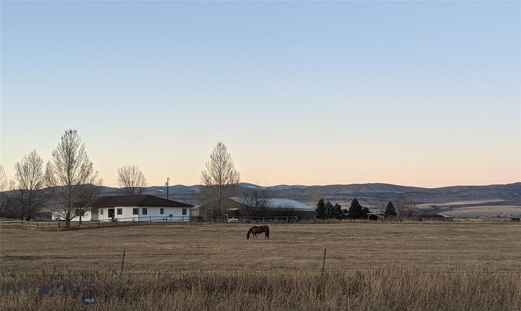 2900 Sales Road Property Photo