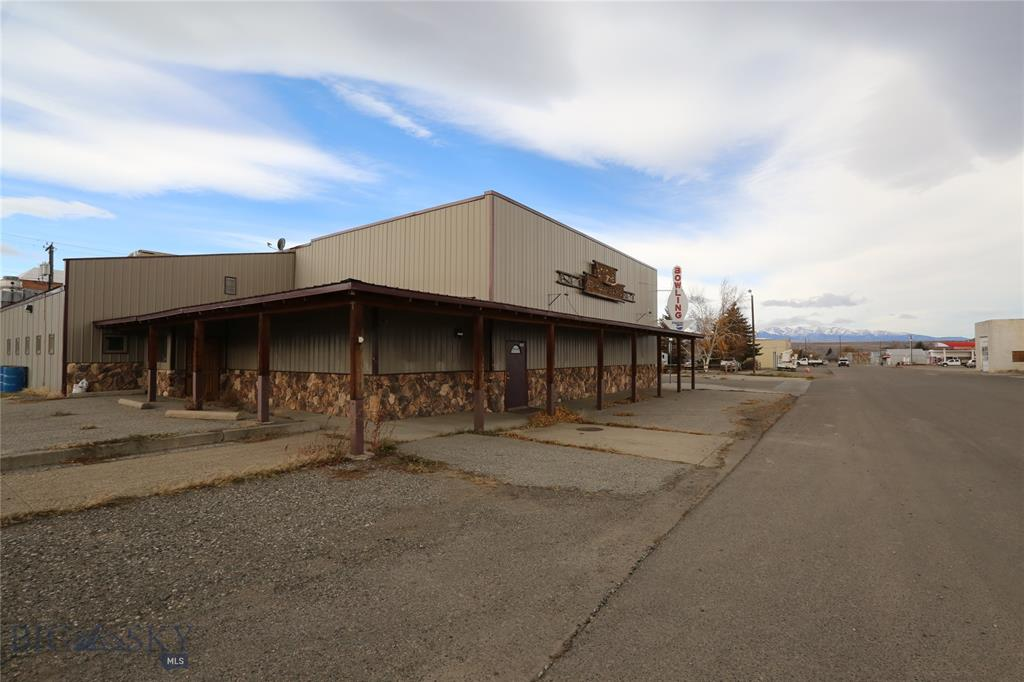 202 Anderson Property Photo - Big Timber, MT real estate listing