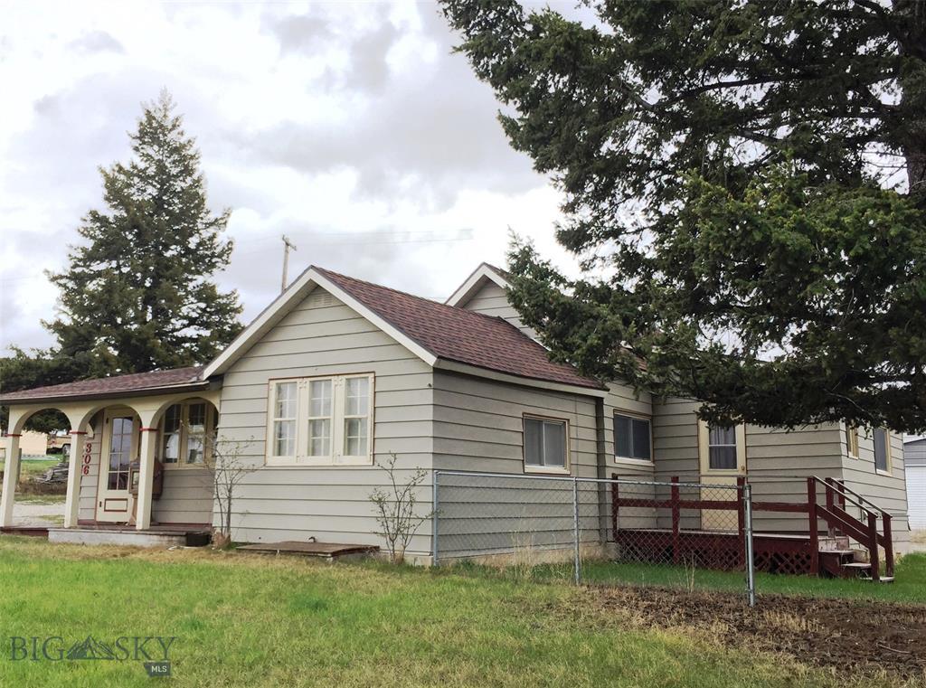 306 E Main Street Property Photo - White Sulphur Springs, MT real estate listing