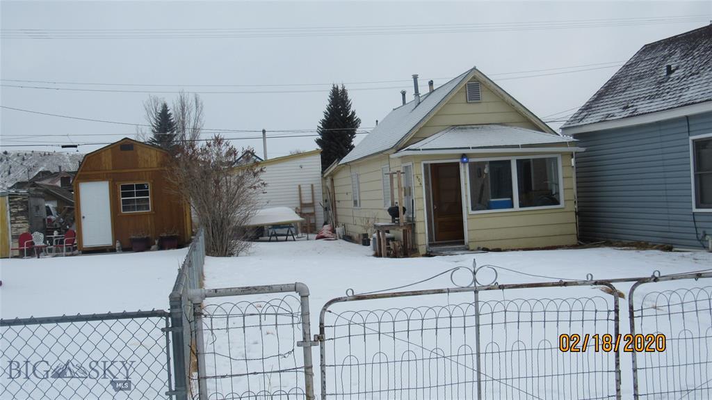 906 E 6th Street E Property Photo