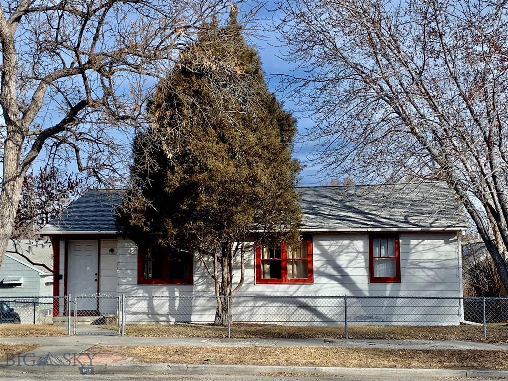 600 Breckenridge Property Photo