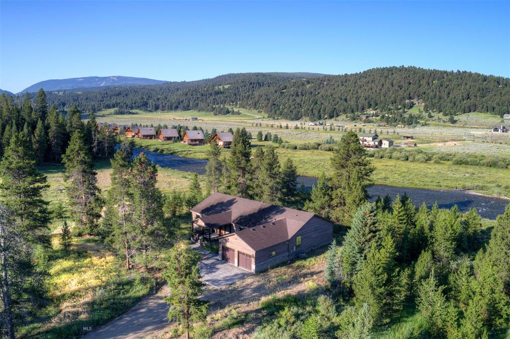 300 Porcupine Creek Road Property Photo - Gallatin Gateway, MT real estate listing