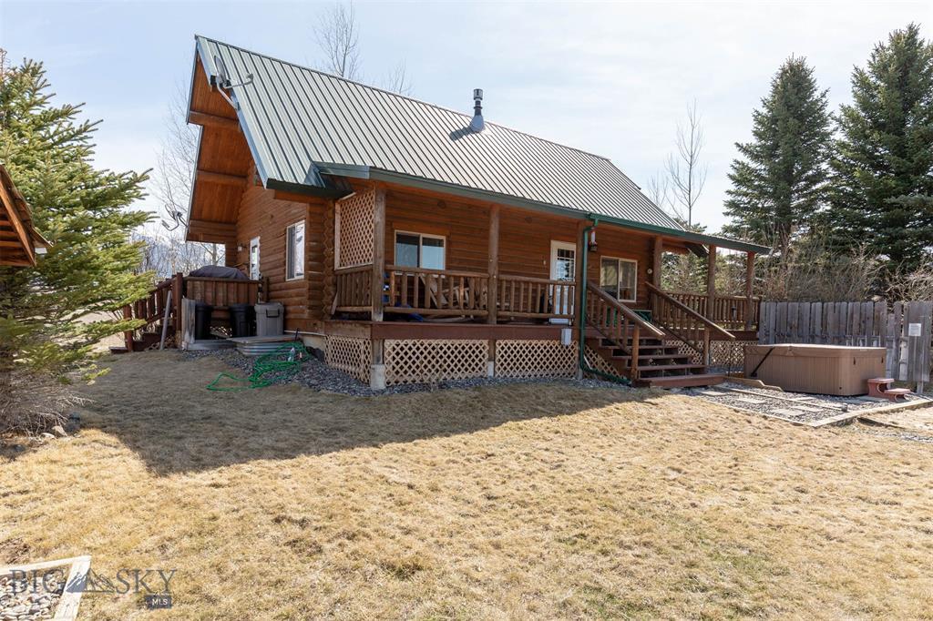 10 River Dr Property Photo