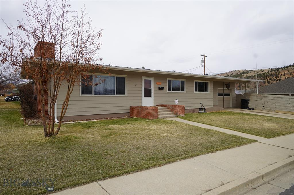 320 Tamarack Street Property Photo