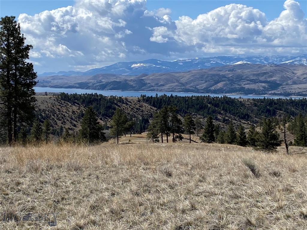 8461 Eagle View Road Property Photo - Helena, MT real estate listing