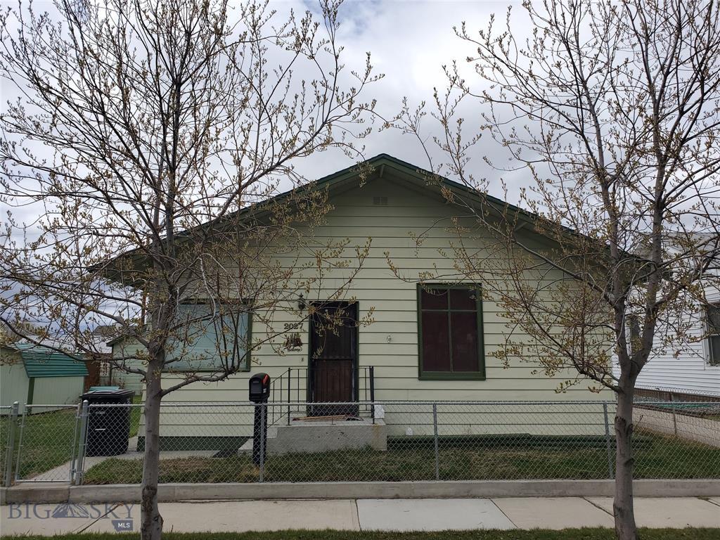 2027 Phillips Avenue Property Photo