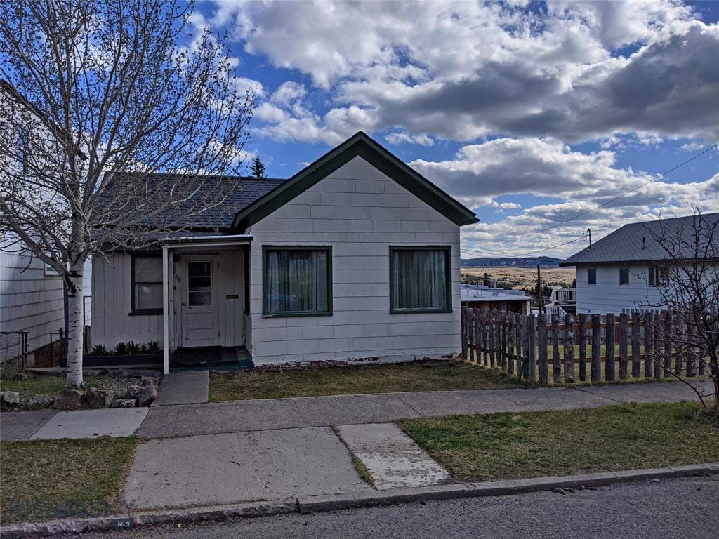 924 W Quartz Street Property Photo