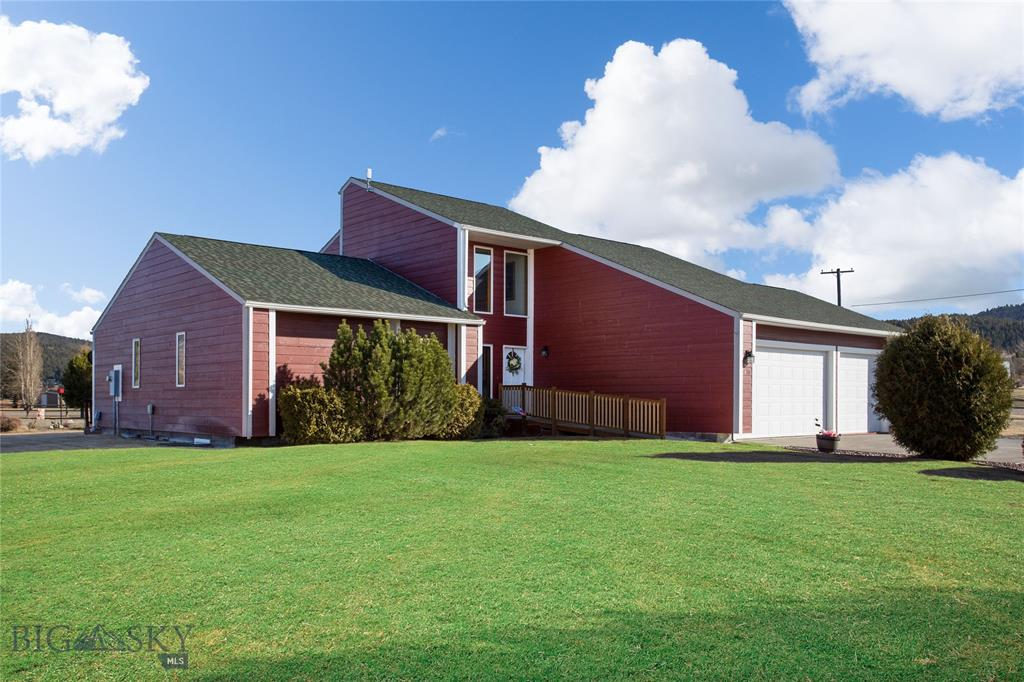 400 Green Acres Property Photo
